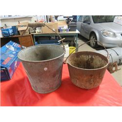 3 GAL PAIL & CAST IRON POT W/3 LEGS