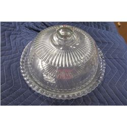 COVERED GLASS CAKE DISH