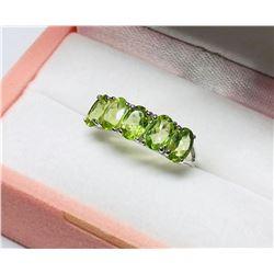 10KT Gold Peridot Ring  Size 6 1/2