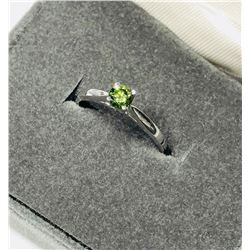 10KT Gold Green Diamond Ring Size 5 1/2