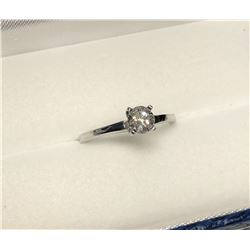 10KT Gold Diamond Ring Size 6.25