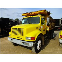 1997 INTERNATIONAL 4900 DUMP, VIN/SN:1HTSDAARXVH480639 - S/A, DT466E DIESEL ENGINE, A/T, STEEL DUMP
