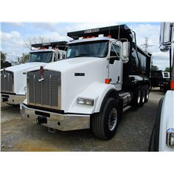 2019 KENWORTH T800 DUMP, VIN/SN:1NKDL40X0KJ211918 - TRI-AXLE, 500 HP CUMMINS ISX15 ENGINE, ALLISON 4