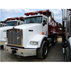 2019 KENWORTH T800 DUMP, VIN/SN:1NKDL40X2KJ217221 - TRI-AXLE, 500 HP CUMMINS ISX15 ENGINE, ALLISON 4