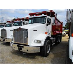 2019 KENWORTH T800 DUMP, VIN/SN:1NKDL40X4KJ217222 - TRI-AXLE, 500 HP CUMMINS ISX15 ENGINE, ALLISON 4