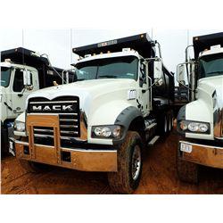 2017 MACK GU713 VIN/SN:1M2AX07C8HM036518 - TRI-AXLE, 455HP MACK MP8 ENGINE, MACK T310M 10 SPEED TRAN