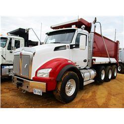 2015 KENWORTH T880 DUMP, VIN/SN:1NKZXPTX1FJ423966 - TRI-AXLE, 455HP PACECAR ENGINE, AUTO SHIFT TRANS