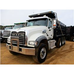 2015 MACK GU713 DUMP, VIN/SN:1M2AX04C8FM021762 - TRI-AXLE, 405 HP MACK MP7 ENGINE, ALLISON 4500RDS A