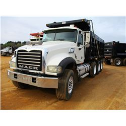2009 MACK GU713 DUMP, VIN/SN:1M2AX04C99M004120 - TRI-AXLE, 405 HP MACK MP7 DIESEL ENGINE, 10 SPEED M