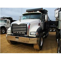 2009 MACK GU713 DUMP, VIN/SN:1M2AX07Y39M006629 - TRI-AXLE, MP8 DIESEL ENGINE, 18 SPEED TRANS, 44K RE
