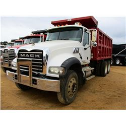2009 MACK GU713 DUMP, VIN/SN:1M2AX09C89M003937 - T/A, MACK MP8-425M ENGINE, MACK T310M 10 SPEED TRAN