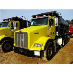 2003 KENWORTH T800 DUMP, VIN/SN:1NKDXBTX83J384799 - TRI-AXLE, 475 HP CAT DIESEL ENGINE, 10 SPEED TRA