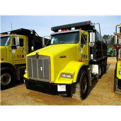 2002 KENWORTH T800 DUMP, VIN/SN:1NKDXBTX62J899718 - TRI-AXLE, 475 HP CAT DIESEL ENGINE, 10 SPEED TRA