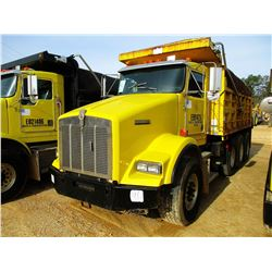 1999 KENWORTH T800 DUMP, VIN/SN:1NKDLB0X9XJ797188 - TRI-AXLE, 475 HP CAT DIESEL ENGINE, 10 SPEED TRA