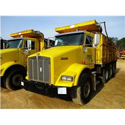 1999 KENWORTH T800 DUMP, VIN/SN:1NKDLB0X3XJ797185 - TRI-AXLE, 475 HP CAT DIESEL ENGINE, 10 SPEED TRA