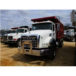 2006 MACK CT713 DUMP, VIN/SN:1M2AL02C56M002388 - TRI-AXLE, MACK DIESEL ENGINE, MACK T310M 10 SPEED T