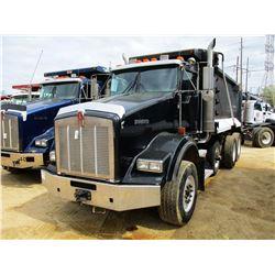 2007 KENWORTH T800 DUMP, VIN/SN:1NKDXBTX37J177405 - TRI-AXLE, 475HP CAT DIESEL ENGINE, 8LL TRANS, 46