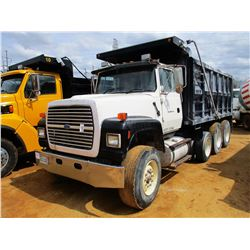 1997 FORD DUMP, VIN/SN:1FDZU90U4VVA21216 - TRI-AXLE, CUMMINS N14 DIESEL ENGINE, 10 SPEED TRANS, 44K
