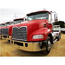 2005 MACK CXN613 TRUCK TRACTOR, VIN/SN:1M1AK06Y15N004340 - T/A, MACK DIESEL ENGINE, MACK T310M 10 SP