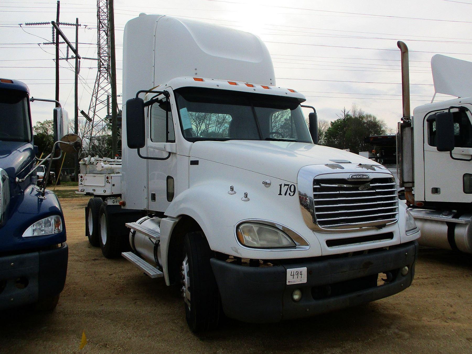 2007 FREIGHTLINER 120 TRUCK TRACTOR, VIN/SN:1FUJAGCK57LY11330 - T/A, S60  DETROIT DIESEL ENGINE, 10 S