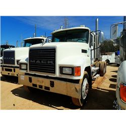 2004 MACK CH613 TRUCK TRACTOR, VIN/SN:1M1AA18Y24N156227 - T/A, MACK ENGINE, 10 SPEED TRANS, AIR RIDE