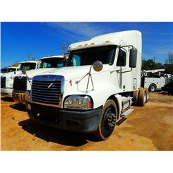 2004 FREIGHTLINER CENTURY CLASSIC TRUCK TRACTOR, VIN/SN:1FUJBBCG54LM73442 - T/A, 455HP DETROIT SERIE