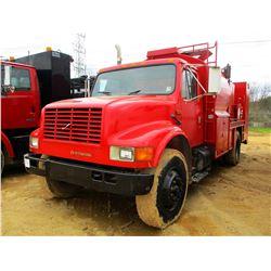 INTERNATIONAL 4900 FUEL & LUBE TRUCK, VIN/SN:1HTSDZ6N2LH253186 - IHC DIESEL ENGINE, 10 SPEED TRANS,
