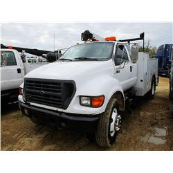 2002 FORD F650 SERVICE TRUCK, VIN/SN:3FDWX65H22MA31172 - S/A, FORD DIESEL ENGINE, A/T, IMT SERVICE B