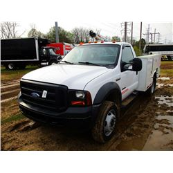 2007 FORD F550 SERVICE TRUCK, VIN/SN:1FDAF56PX7EA13706 - S/A, FORD POWER STROKE DIESEL ENGINE, A/T,