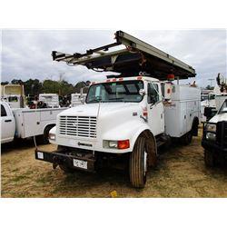 1999 INTERNATIONAL 4900 SERVICE TRUCK, VIN/SN:1HTSDAAN7XH672441 - IHC DIESEL ENGINE, A/T, TOOL SERVI