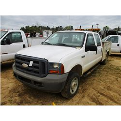 2005 FORD F250 SERVICE TRUCK, VIN/SN:1FTSW21535EC97160 - 4X4, CREW CAB, GAS ENGINE, A/T, SERVICE BOD