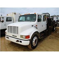 1995 INTERNATIONAL 4700 SERVICE TRUCK, VIN/SN:1HTSCAAM4SH208140 - CREW CAB, IHC DIESEL ENGINE, 6 SPE