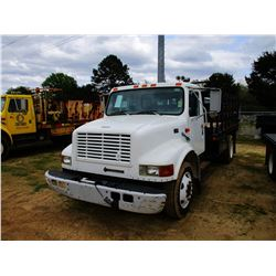 1998 INTERNATIONAL 4700 FLATBED, VIN/SN:1HTSCABLXWH558206 - IHC DIESEL ENGINE, A/T, 14' FLATBED BODY
