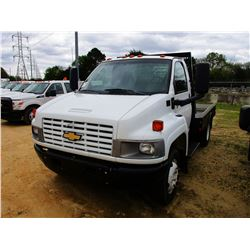2004 CHEVROLET C4500 FLATBED, VIN/SN:1GBC4C1E34F514770 - S/A, GAS ENGINE, 6 SPEED TRANS, 9' FLATBED