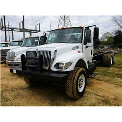 2004 INTERNATIONAL 7400 CAB & CHASSIS, VIN/SN:1HTWHADT84J0289984 - T/A, IHC DIESEL ENGINE, A/T, ODOM