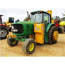 2005 JOHN DEERE 7220 FARM TRACTOR, VIN/SN:003944 - 2 REMOTES, TIGER SABER TOOTH 5' BOOM MOWER, CAB,