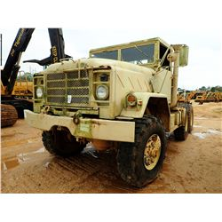 M931A2 MILITARY TRUCK TRACTOR, VIN/SN:3101558 - T/A, 6X6, DIESEL ENGINE, A/T, 14:00R-20 TIRES, ODOME