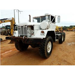 MILITARY CAB & CHASSIS, VIN/SN:547451 - T/A, DIESEL ENGINE, 5 SPEED TRANS, PINTLE HITCH, 10.00R20 TI