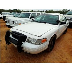 2008 FORD CROWN VICTORIA VIN/SN:2FAFP71V78X131132 - GAS ENGINE, A/T, ODOMETER READING 352,025 MILES