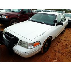 2005 FORD CROWN VICTORIA VIN/SN:2FAHP71W45X128427 - GAS ENGINE, A/T, ODOMETER READING 283,700 MILES