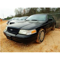 2003 FORD CROWN VICTORIA VIN/SN:2FAHP71W63X213945 - V8 GAS ENGINE, A/T, ODOMETER READING 283,140 MIL