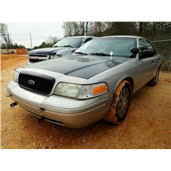 2007 FORD CROWN VICTORIA VIN/SN:2FAHP71W37X145013 - V8 GAS ENGINE, A/T, ODOMETER READING 228,481 MIL