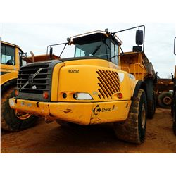 2007 VOLVO A40D ARTICULATED DUMP, VIN/SN:70282 - TAILGATE, CAB, A/C, 29.5-R25 TIRES, METER READING 1