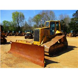 2006 CAT D6N LGP CRAWLER TRACTOR, VIN/SN:ALY02106 - 6 WAY BLADE, DIFF STEER, SYSTEM 1 U/C, CAB, A/C,