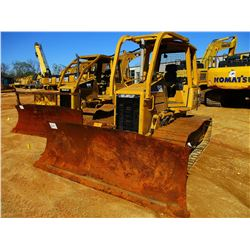 2006 CAT D5G LGP CRAWLER TRACTOR, VIN/SN:RKG02789 - 6 WAY BLADE, CANOPY, REAR SCREEN, SWEEPS, METER