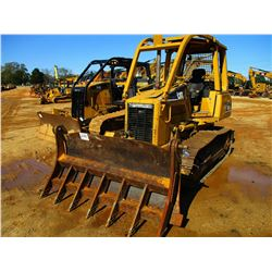 2004 CAT D3G XL CRAWLER TRACTOR, VIN/SN:JMH00743 - 6 WAY BLADE, ROOT RAKE, CANOPY, SWEEPS, REAR SCRE