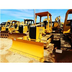CAT D3C CRAWLER TRACTOR, VIN/SN:4KS00040 - 6 WAY BLADE, CANOPY