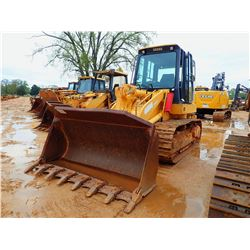 JOHN DEERE 655C CRAWLER LOADER, VIN/SN:006691 - BUCKET, CAB, A/C, METER READING 2,888 HOURS