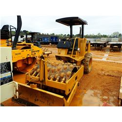 """CAT CP-323C ROLLER, VIN/SN:6DM00462 - VIBRATORY, 48"""" PADFOOT DRUM, BLADE, CANOPY, METER READING 1,03"""