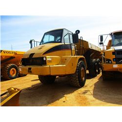 2001 CAT 730 ARTICULATED DUMP, VIN/SN:AGF00366 - CAB, A/C, 23.5R25 TIRES, METER READING 13,936 HOURS